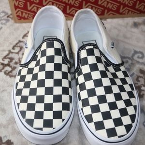 NWOT Vans Asher Checkered Slip-on Sneakers